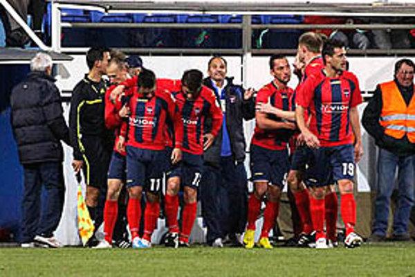 Futbalisti FC ViOn pokračujú v úspešnom ťažení v zimnej Tipsport lige.