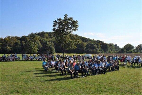 Už vlani sa miestni zišli na ihrisku v Starej Haliči, teraz si pripomenú výročie obnovenia erbu obce.