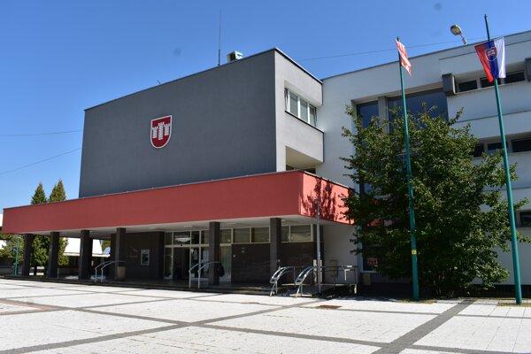Mestský úrad v Považskej Bystrici.