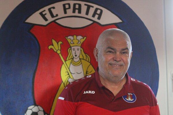 Marián Valenta pomáha futbalu v rodnej Pate už vyše 30 rokov.