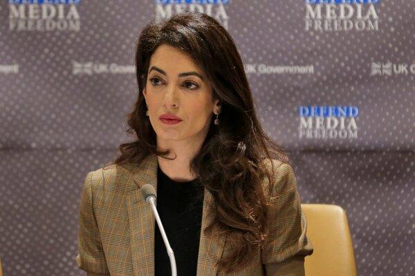 Britská právnička libanonského pôvodu Amal Clooneyová bola v vymenová za jednu zo 17 špeciálnych poradkýň nového hlavného prokurátora Medzinárodného trestného súdu Karima Khana.