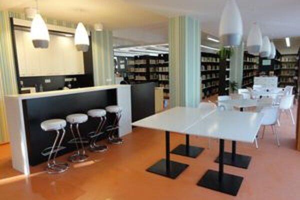 Knižnica po modernizácii.