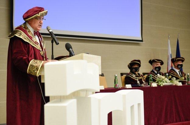 Rektor Univerzity sv. Cyrila a Metoda v Trnave, prof. Ing. Roman Boča, DrSc.
