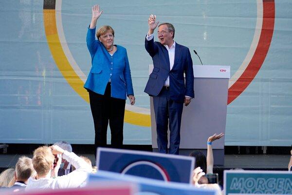Končiaca kancelárka Angela Merkelová a kandidát kresťanských demokratov Armin Laschet.