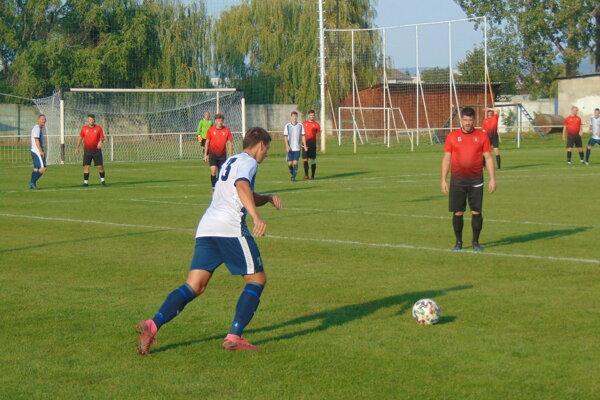 Momentka zo zápasu Pobedim - Dolné Srnie.