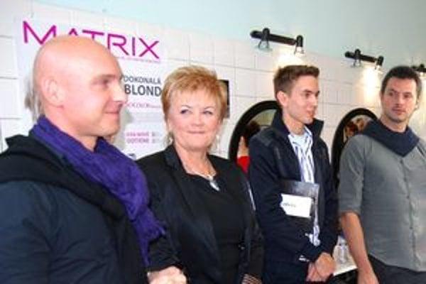 Pilotná súťaž Skill Slovakia Hair sa konala v Nitre. Medzi hodnotiteľmi súťažiacich bol aj Braňo Grőhling.