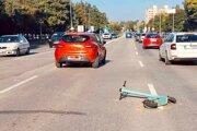 Nehoda sa stala dnes popoludní na Triede Andreja Hlinku.