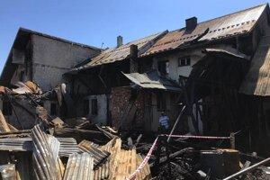 Následky požiaru v dedinke Nová Belá.