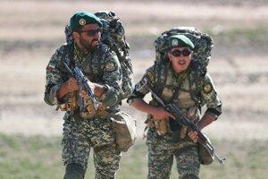 Irán začal vojenské cvičenie na hranici s Azerbajdžanom.