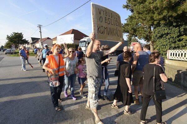 Protest v Modranke pred tromi rokmi.