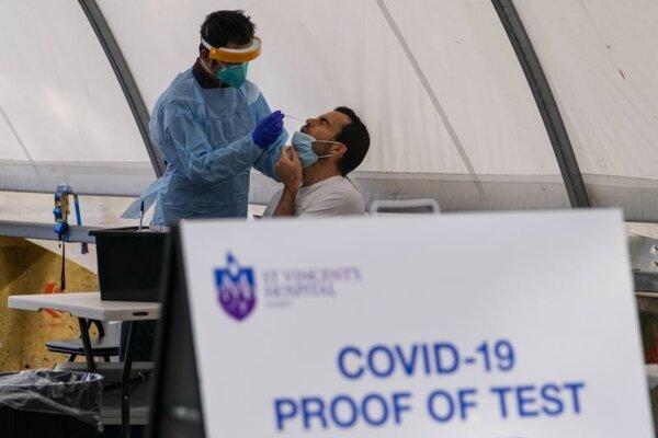 Testovanie na koronavírus v austrálskom Sydney.
