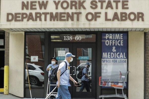 Úrad práce v newyorskej štvrti Queens.