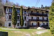 Jana Pastrnák sa ako dieťa liečila v detskej ozdravovni v osade Čierna hora. Von sa pozerala z ľavého okna na hornom poschodí.