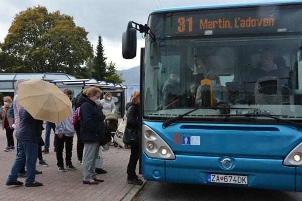 Cestujúcich Martinčanov čakajú od nového roka zmeny v cenách cestovných lístkov, nie sú však markantné.