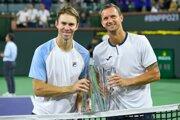 Filip Polášek (vpravo) s Johnom Peersom po triumfe v Indian Wells.