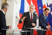 Minister zahraničných vecí Ivan Korčok na spoločnom stretnutí s rezortnými kolegami vo Viedni.