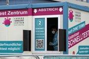 V Nemecku začínajú počty nakazených koronavírusom opäť rásť.