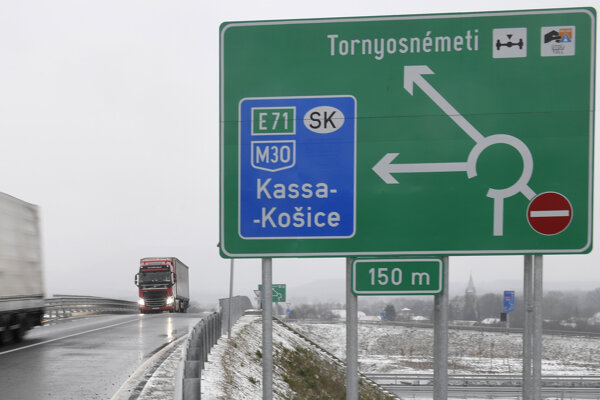 Maďarsko otvorilo diaľnicu od Miškovca až po slovenské hranice