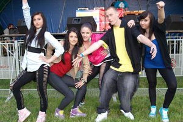 Na 3medii.party v Nitre sa na hip-hop stage predstavila tanečná skupina TMS Crew.