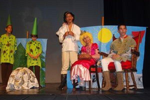 Detský domov Levice sa predstavil rozprávkovou dramatizáciou Polepetko.