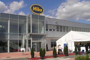 Miba má závod vo Vrábľoch. Stojí v priemyselnom parku, ktorý bol prvým na Slovensku.