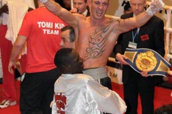 """Slovenský boxer Tomi """"Kid"""" Kovács."""