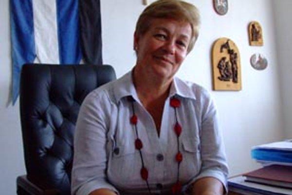 Anna Vrábelová (starostka obce) vníma problém ako riešiteľný, šéf klubu Pavol Filo má však obavy.