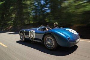 1953 Jaguar C-TypeJaguár vyrobil len tri kusy modelu C-Type v roku 1953. Jeden z nich išiel do aukcie v Monterey a predal sa za 13,2 milióna dolárov.
