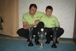 Otec so synom sa ešte vlani tešili z víťazstiev spoločne.