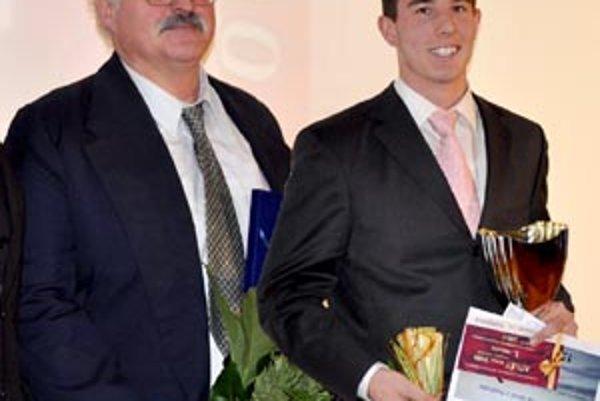 Tréner Miloš Gašaj (vľavo) s jeho úspešným zverencom Tomášom Kružliakom.