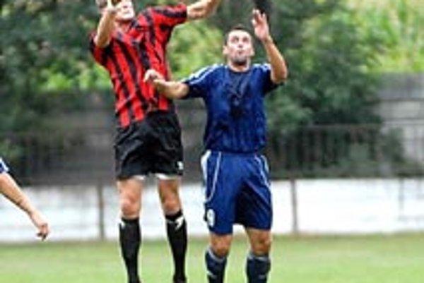 Tomasovics a Balla z nedávneho duelu T. Hradská - Vrakúň.