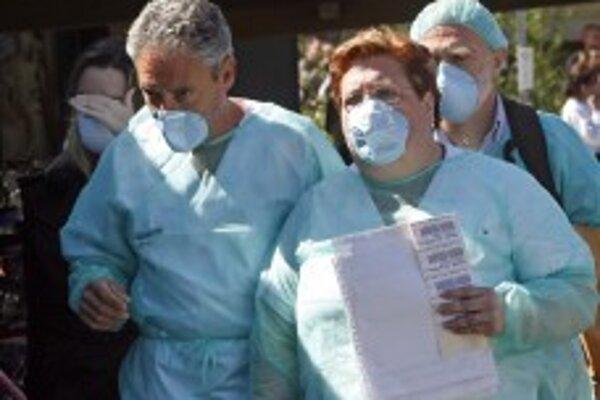 Prípadov prasacej chrípky pribúda. Zdravotníci bijú na poplach.