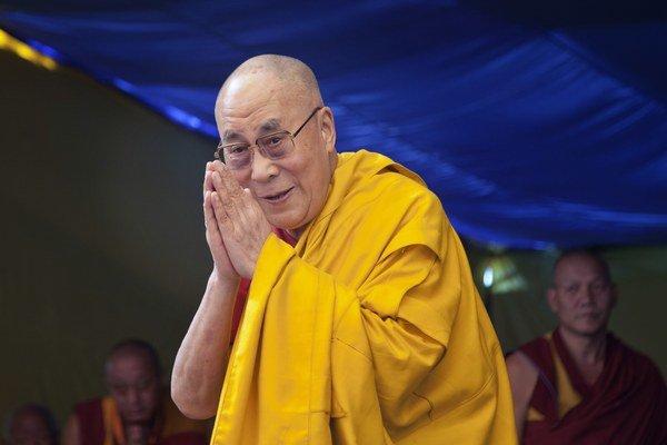 Dalajláma XIV. sa narodil 6. júla 1935. Podľa tibetského lunárneho kalendára pripadajú jeho narodeniny na 21. júna.
