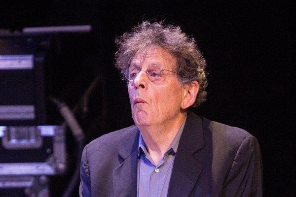 Na päťhodinovom koncerte v Ostrave Glass ostal na pódiu celý čas.