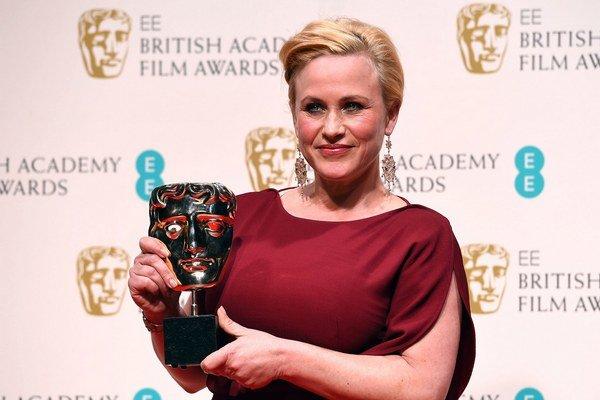 Herečka Patricia Arquette získala cenu BAFTA pre najlepšiu herečku vo vedľajšej úlohe vo filme Chlapčenstvo Richarda Linklatera.