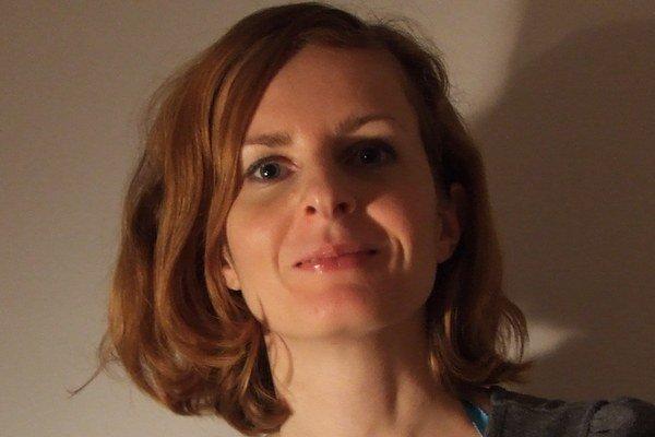 Zuzana Šidlíková – teoretička umenia, venuje sa najmä dejinám odevného dizajnu.