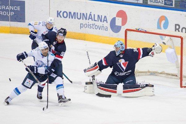 Zatiaľ naposledy sa Slovan stretol s Barysom Astana 21. októbra na domácom ľade. Vtedy zvíťazil 5:3.
