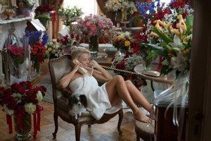 Vlčica z Wall Street – Margot Robbie  v úlohe Naomi.