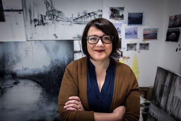 Lucia Tallová (1985), maliarka, v roku 2011 ukončila štúdium na VŠVU, v minulom roku získala cenu Maľba roka.