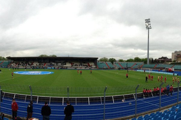 Miesto večerného zápasu- Stade Josy Barthel.