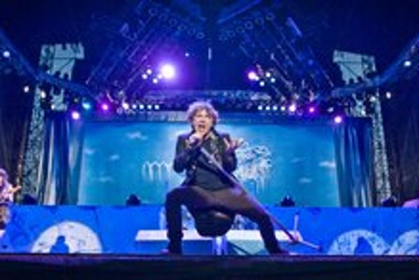 Iron Maiden prilákali do Piešťan na Topfest 30-tisíc divákov.