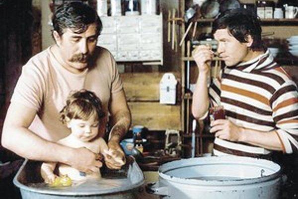 Medzi filmami s Júliusom Satinským nemôže chýbať česká komédia S tebou mě baví svět z roku 1982.