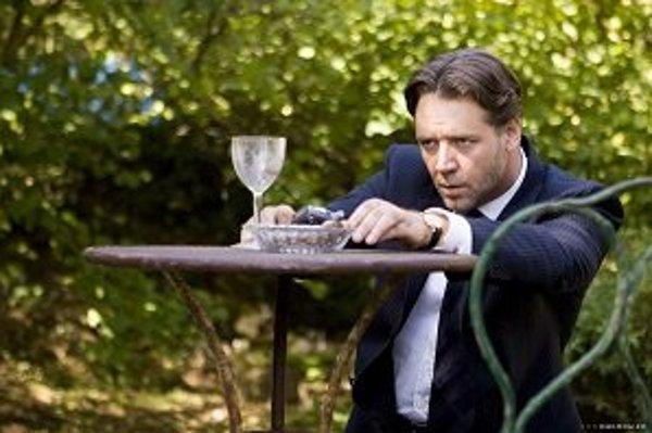 Pohár od vína a nedofajčená cigara v Dobrom ročníku zastavili Maximiliana (Russell Crowe) v sebeckej predstave čo najvýhodnejšie predať úžasné dedičstvo – usadlosť s vinicami vo francúzskom Provensálsku po svojom strýkovi