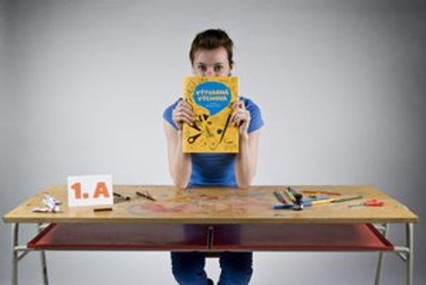 Martina Rozinajová (1984) – absolvovala odbor vizuálnej komunikácie na VŠVU, v roku 2011 získala Národnú cenu za dizajn za katalóg Archive a v roku 2009 za projekt Dizajn na kolesách (kolektív autorov). Venuje sa grafickému dizajnu (Dizajnvíkend, T-Ga