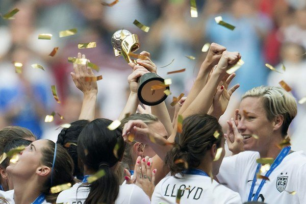 Futbalistky Spojených štátov amerických sa tešia v poradí z tretieho titulu majsteriek sveta (1991, 1999, 2015).