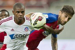 Brazílsky útočník Wesley Moraes ešte ako hráč Trenčína (vľavo).