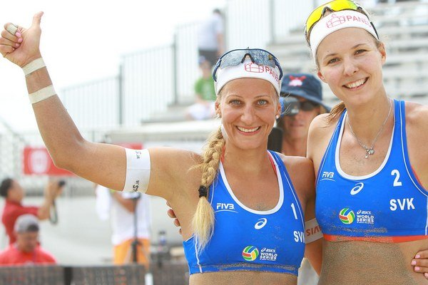 Natália Dubovcová (vpravo) a Dominika Nestarcová.