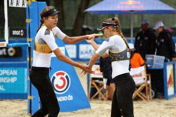 Slovenské plážové volejbalistky podávajú v Rakúsku výborné výkony.