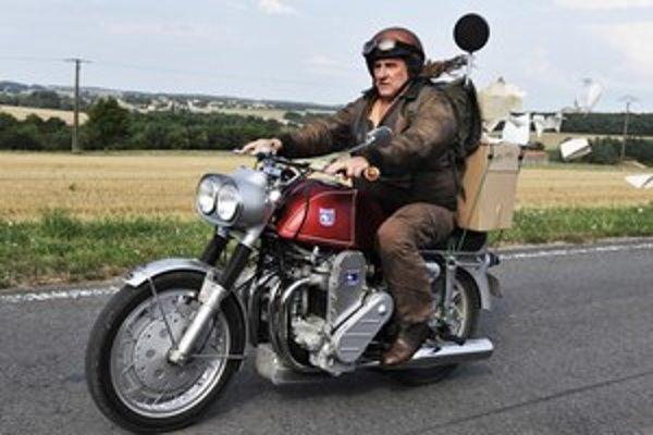 Gérard Depardieu v belgickom filme  Mammuth.