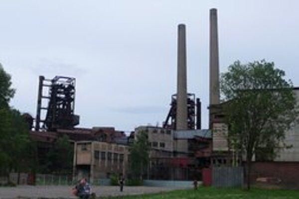 Divadlo naberá v takejto priemyselnej zóne na sile.